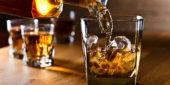 Whiskey Glas mit Eis
